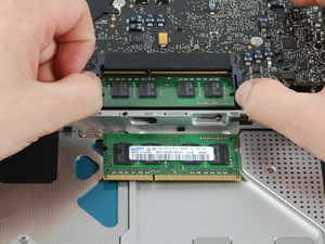 nou macbook inside 2